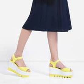 チャールズ & キース CHARLES & KEITH Platform Open Toe Sandals (Yellow)