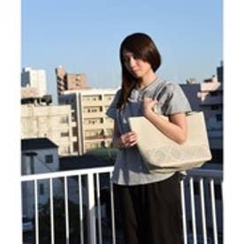 クーコ COOCO パンチングリバーシブルポーチ付トートバッグ (オフホワイト)