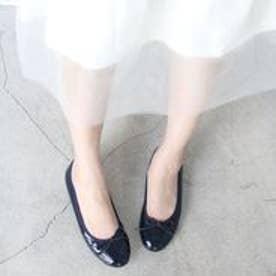 フィン Fin 【低反発スポンジ入り】ラウンドバレエシューズ (ネイビーエナメル)