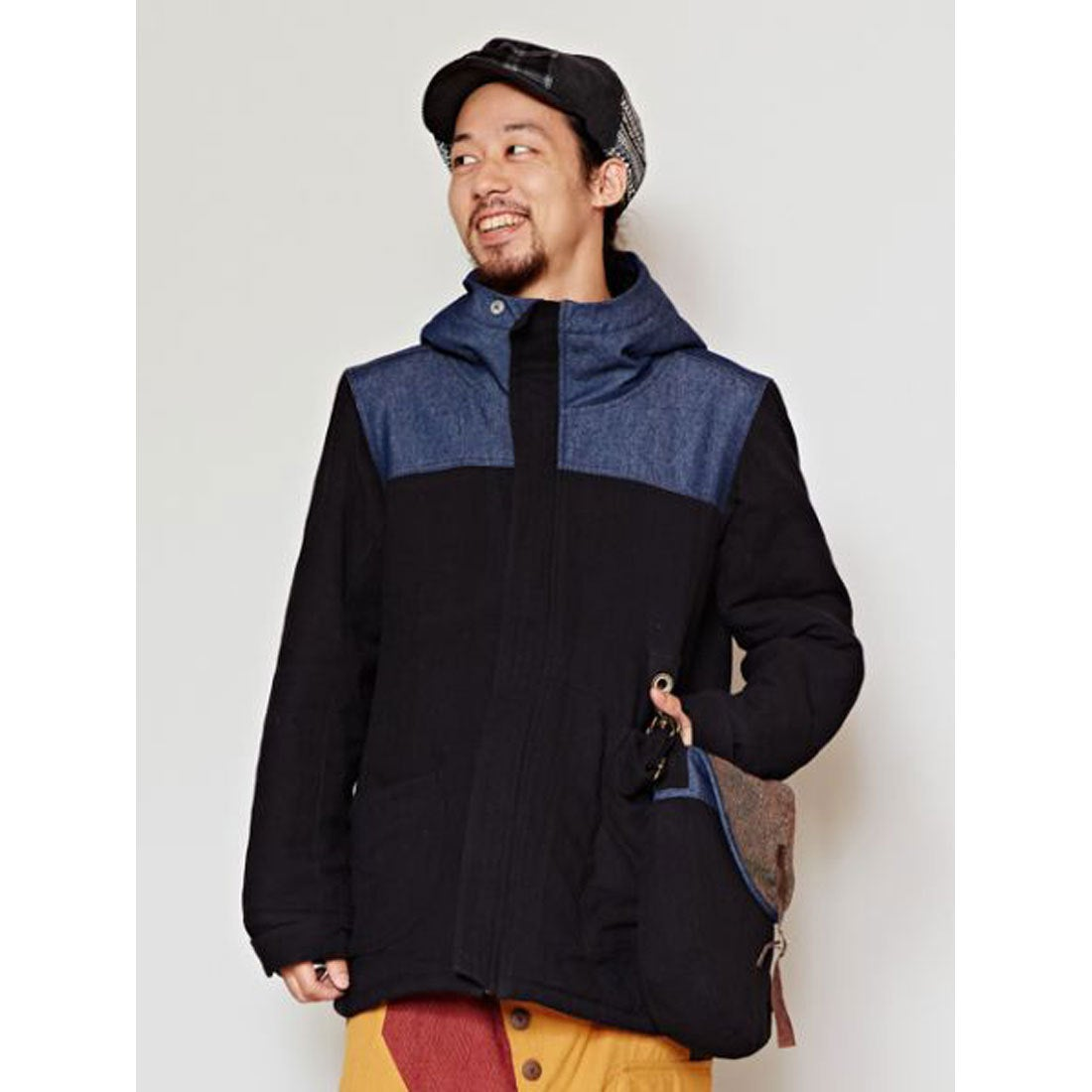 【チャイハネ】サイドバッグ付きMEN'Sフードジャケット ブラック