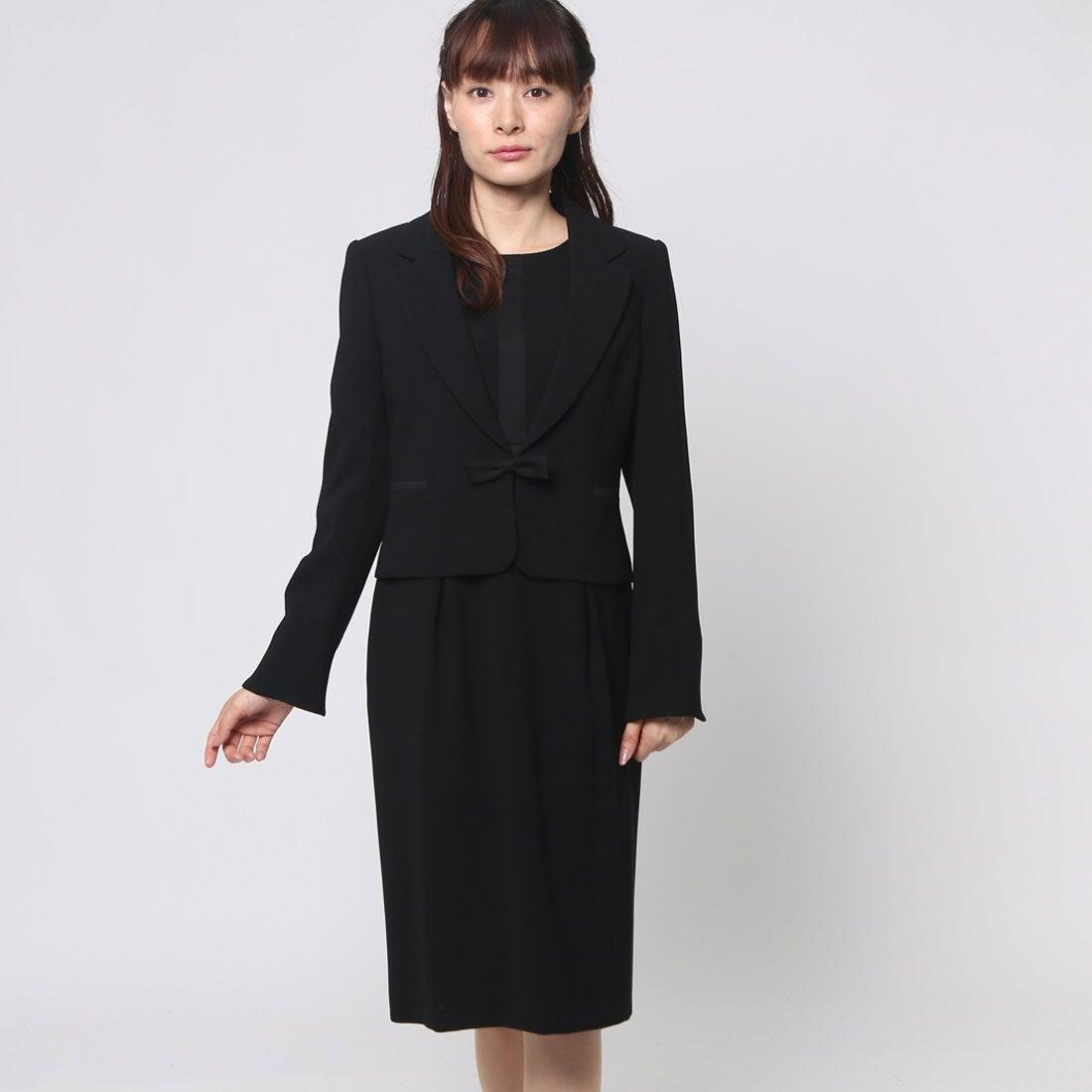 6643cbcb83787 ブラックギャラリー BLACK GALLERY テーラードジャケットとサテン切り替えワンピの洗えるアンサンブル (ブラック) [ブラックフォーマル  喪服 礼服] -靴& ...