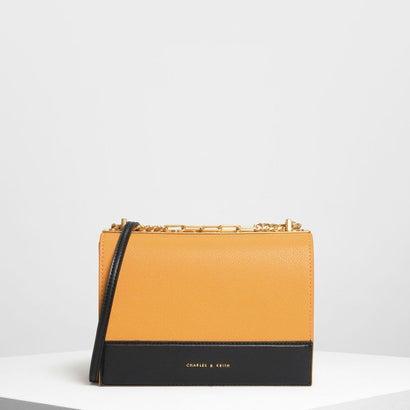 コントラストディテールボクシークロスボディバッグ / Contrast Detail Boxy Crossbody Bag (Mustard