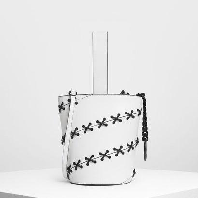 レースディテールバケツバッグ / Lacing Detail Bucket Bag (White)