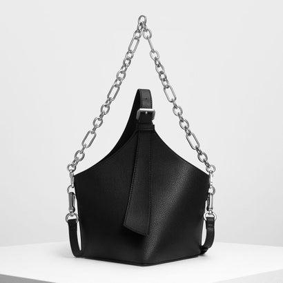 イロンゲイトストラップ バケツバッグ / Elongated Strap Bucket Bag (Black)