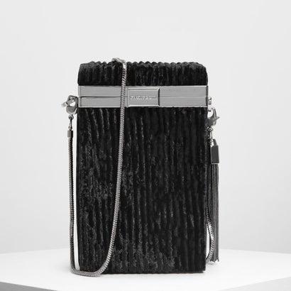 メタリックタッセルディテール ボクシークラッチ / Metallic Tassel Detail Boxy Clutch (Black)