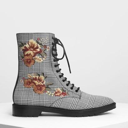 フローラルエンブロイダリーポインテッドカフブーツ / Floral Embroidery Pointed Calf Boots (Multi