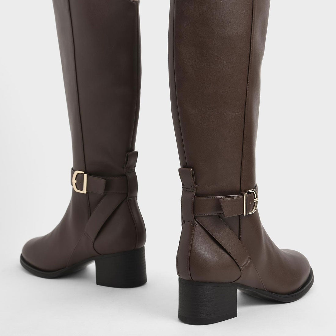 Chapter 16 Womens Knee High Buckle Riding Boots Tan