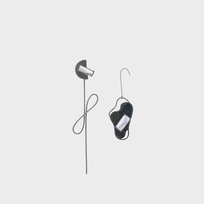 セミプレシャスストーン ドロップイヤリング / Semi-Precious Stone Drop Earrings (Black)