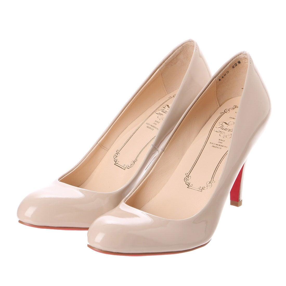 カリアング Kari Ang アーモンドトゥプレーンパンプス (ベージュエナメル) ,靴&ファッション通販 ロコンド〜自宅で試着、気軽に返品