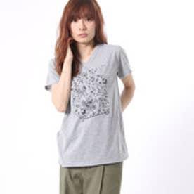コムサイズム COMME CA ISM フラワープリントのVネックTシャツ (グレー)