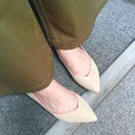 フィン Fin 【低反発スポンジ入り】ポインテッドフラットシューズ (ベージュ)