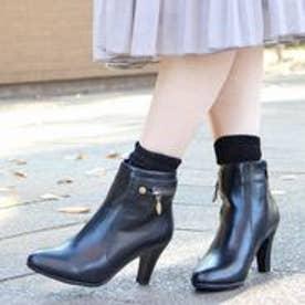 フィン Fin 【低反発スポンジ入り】バックジップデザインショートブーツ (ブラック)