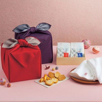 「幸せの宝箱」三段重ね 日本製風呂敷包み【ラッピング不可】
