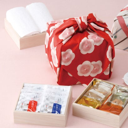 「幸せの宝箱」三段重ね 梅【ラッピング不可】