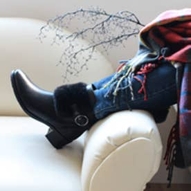 ベルフローリー BELL FLORRIE ファー&ベルトショートブーツ (ブラック)