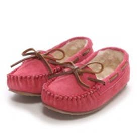 【Kid's】ミネトンカ MINNE TONKA CASSIE SLIPPER(Hot Pink)