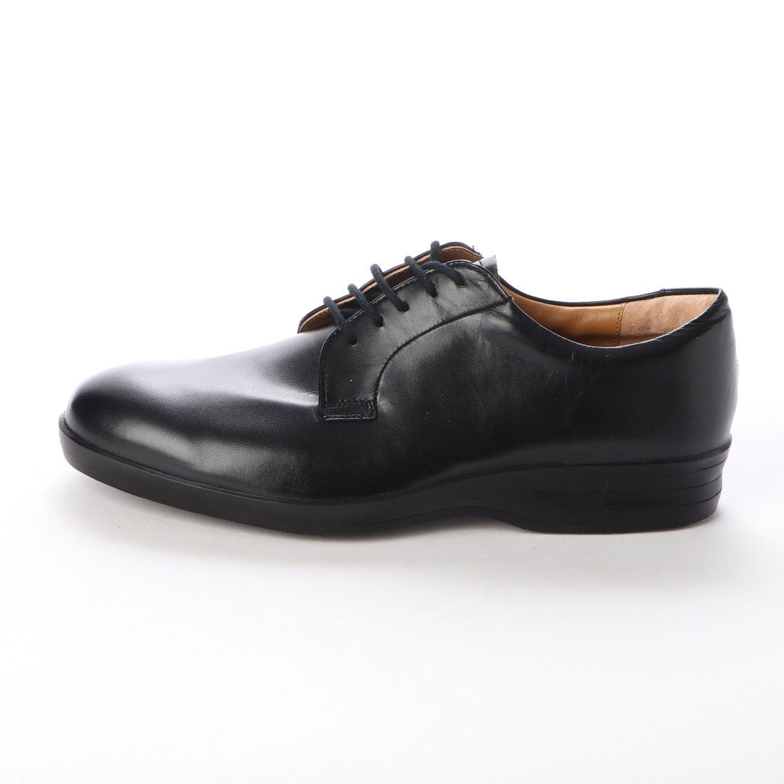 【大塚製靴 外羽根プレーントゥ OT-2013の画像コメント3】履き口のインナーや羽根の裏側の色にライドブラウンを差し込んでいます。それほど目立つ部分では無いのですが、こういったちょっとした色のこだわりは結構好きです。特に日本では、靴を脱ぐ文化なので、インナーまでこだわっているとそれだけも高ポイントだったりするのです。