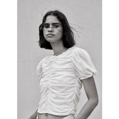 Tシャツ .-- FIORELLA (ナチュラルホワイト)