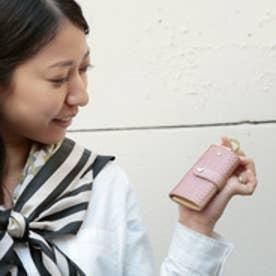 ペルケ perche パールメタリックレザー型押しキーケース (ピンク)