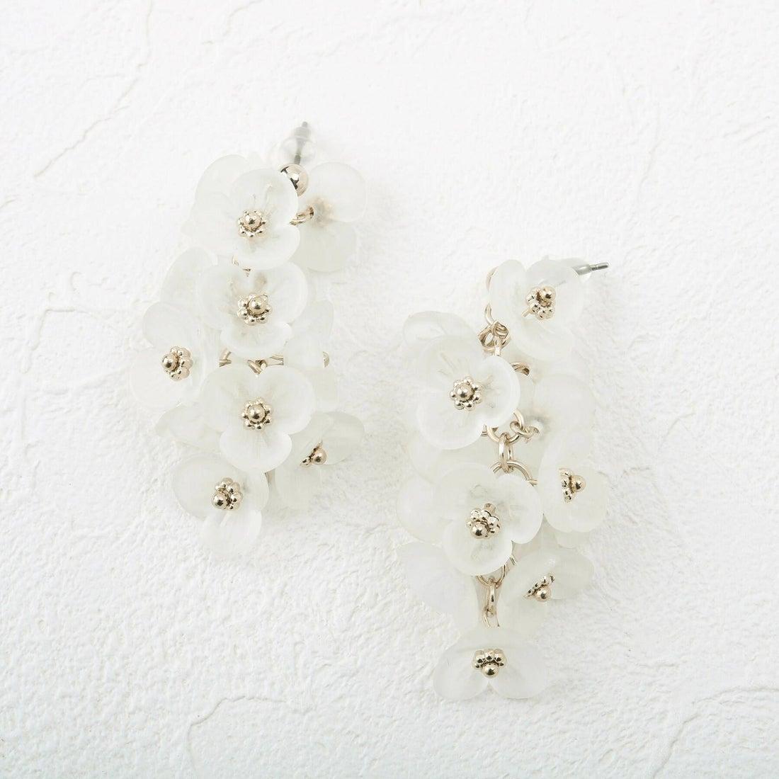 クチュール ブローチ Couture brooch メニーフラワーピアス (オフホワイト)