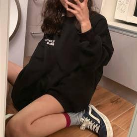 ワンポイントプルオーバートレーナー 韓国ファッション (ブラック)