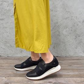 脱ぎ履きしやすく歩きやすいゴムベルトスニーカー (ブラック)