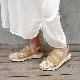 脱ぎ履きしやすく歩きやすいゴムベルトスニーカー (ベージュコンビ)