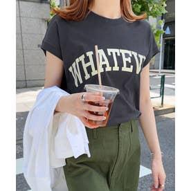 コットン天竺フレンチスリーブロゴプリント裾ラウンドTシャツ トップス (チャコールグレー)