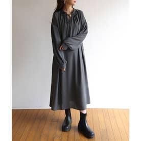 とろみ素材2way長袖衿ギャザーロングワンピース (チャコールグレー)