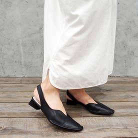 洗練されたきれいな足元に・アシンメトリーパンプス (ブラック)