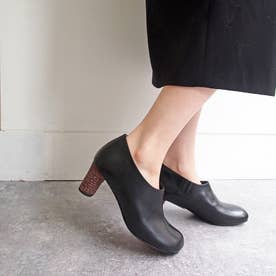 オブリークトゥが今年らしいショート丈足袋ブーツ (ブラック)