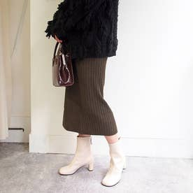 オブリークトゥで今年らしく細見えするショートブーツ (オフホワイト)