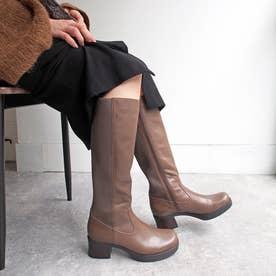 おでこ靴のフォルムがかわいいニットロングブーツ (グレージュ)