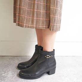 華奢見えするベルトデザイン【防滑】ショートブーツ (ブラック)