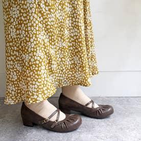 おでこ靴の新定番!ギャザーストラップパンプス (ダークブラウン)