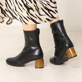 ナチュラルウッドヒールがかわいいシンプルショートブーツ (ブラック)