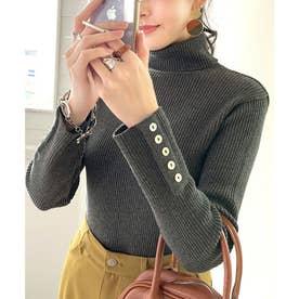 袖ボタン付きリブタートルコットンニット  レディース トップス ハイネック 貝ボタン スタイリッシュ 綿100% 大人 ベーシック 伸縮性 (チャコール)
