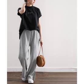 フレンチラグランミドル丈ワンポイントプリントロゴ無地クルーネックTシャツ(袖なし) (ブラック)
