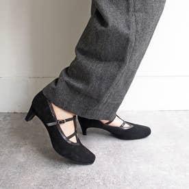 女性らしい足元を演出するダブルTストラップパンプス (ブラック)