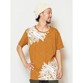 【チャイハネ】フェザープリントメンズTシャツ キャメル