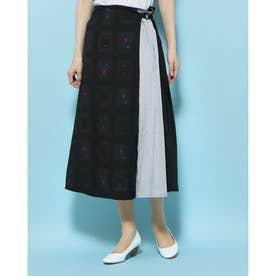 クロスステッチ花柄ジャガード ラップ風スカート (ブラック系)