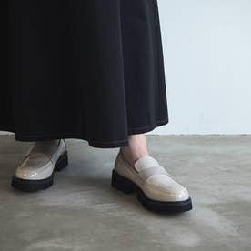 【レイン対応】ボリュームソールエナメルローファー (アイボリーエナメル)