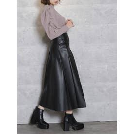 レザーライクセミフレアスカート(ブラック)