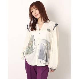 マオカラーとアーティプリントのレディースシャツ (ホワイト)
