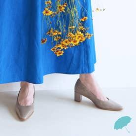 《晴雨兼用》スクエアカットパンプス (ライトグレーエナメル)