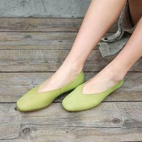 足が痛くならない靴で人気!Vカットフラットシューズ (グリーン)