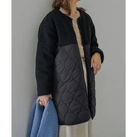ボア×中綿キルティング切り替えノーカラーコート (ブラック)