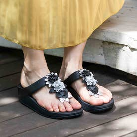 FINO FLORAL CLUSTER TOE-POST SANDALS (All Black)