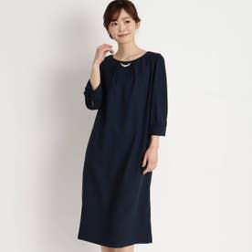 パールネックレス付きサックドレス (ダークネイビー)