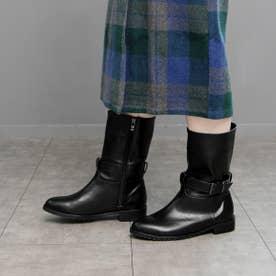 ワンベルトデザインのミドル丈ブーツ (ブラック)